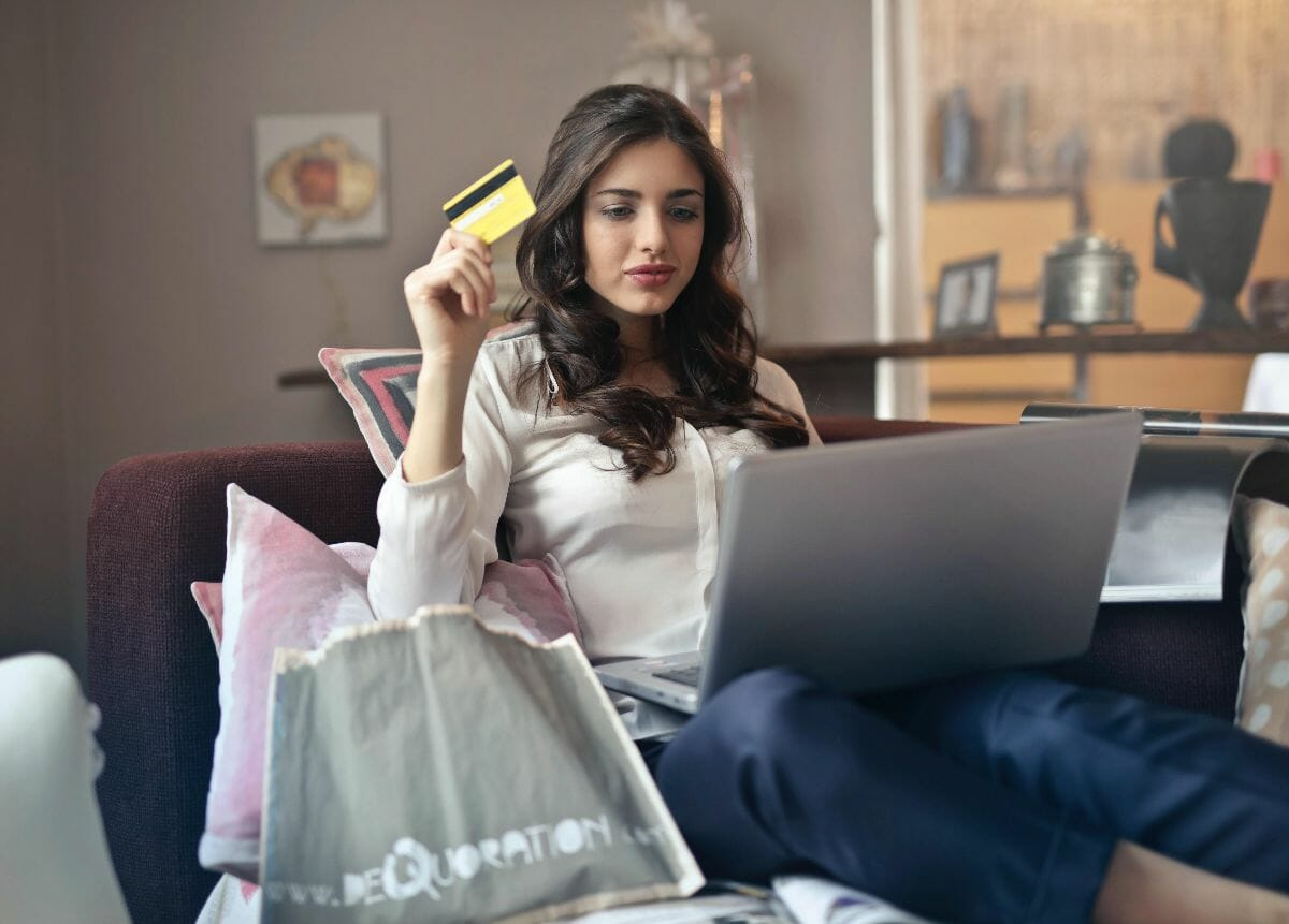 Business Thriving During a Crisis - Online Shopping